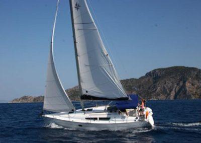 Rumboaltea Sun-Odyssey-32 navegando